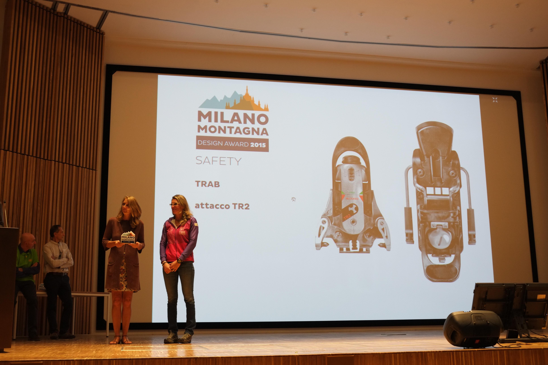 Cinzia Sertorelli ritira il premio a Ski Trab